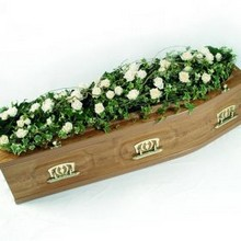 Rose and Ivy Coffin bar spray